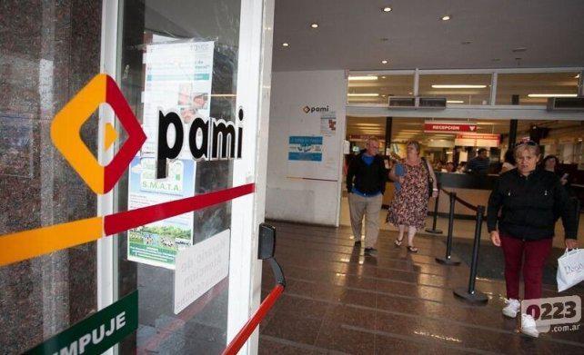 Pami dejó de pagar, y los jubilados rosarinos se quedan sin medicamentos