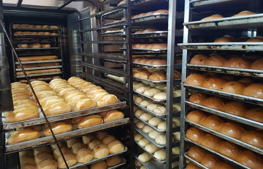 Panaderos llaman a rebelión fiscal para mantener abiertos sus locales