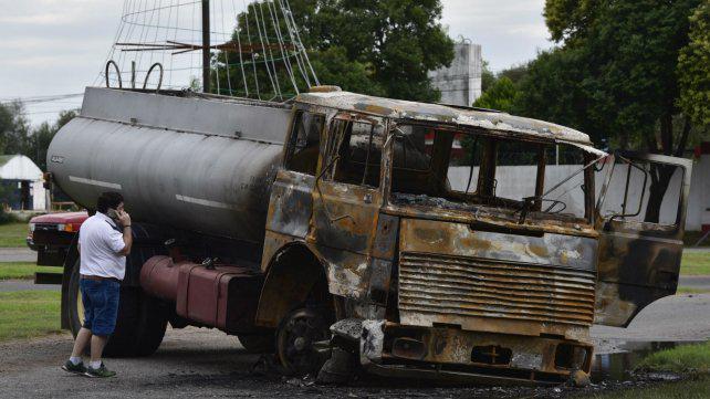 """Piden sobreseimiento por """"emoción violenta"""" al camionero que atropelló un piquete"""