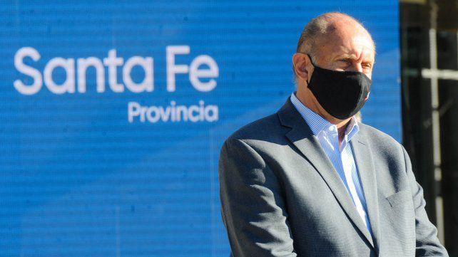 Perotti sujeta nuevas aperturas de actividades a una baja de casos covid
