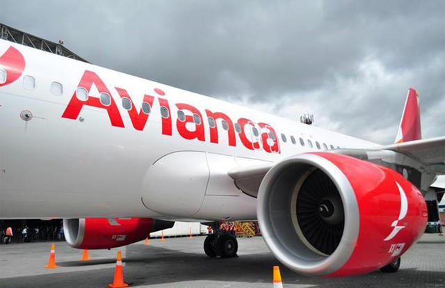 Pilotos ponen en duda el plan de vuelos a bajo costo que anunció Macri