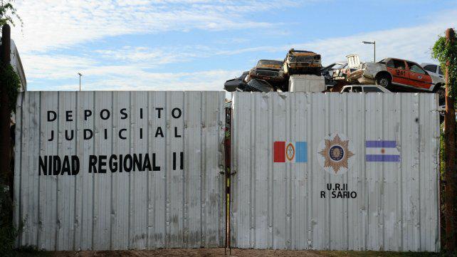 Policías a disponibilidad por robar autopartes en el depósito judicial