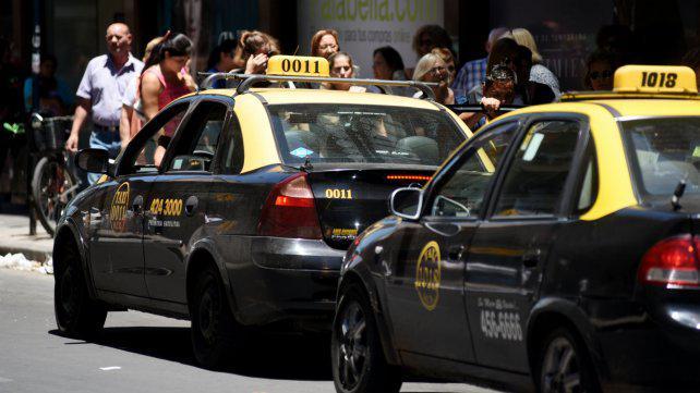 Por el alza de costos, taxistas van por una suba tarifaria del 30 por ciento