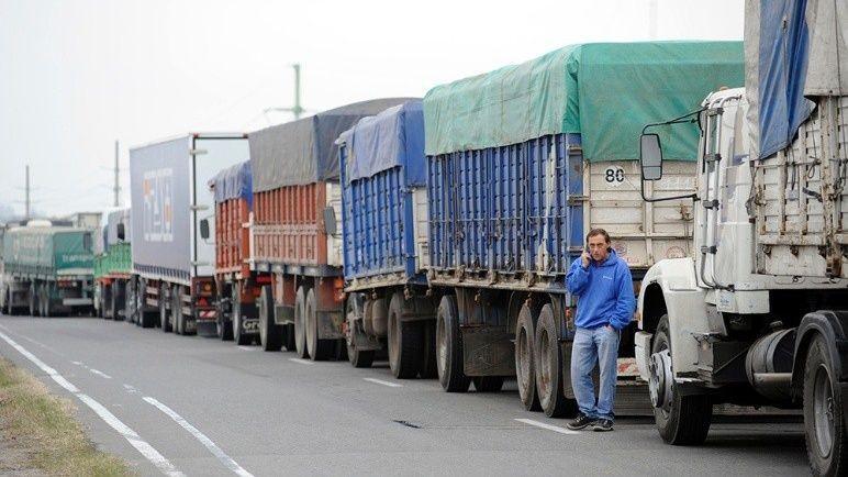 Por la crisis, los camioneros trabajan a la mitad de su capacidad en Rosario