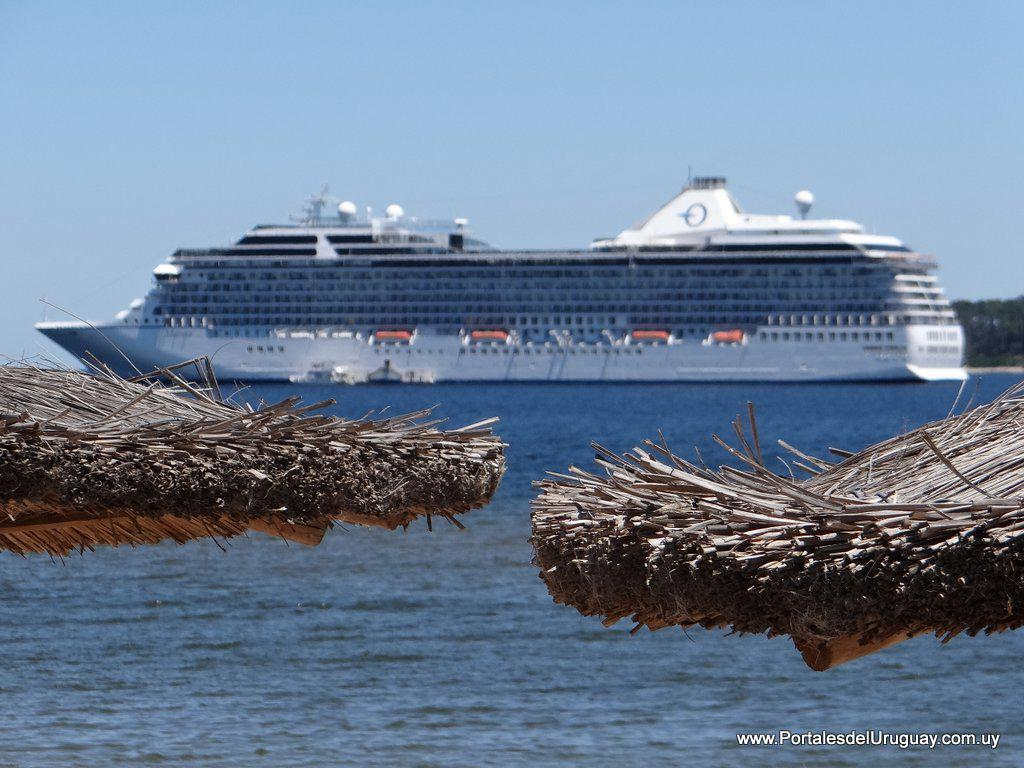 Premian a los contribuyentes que pagan los impuestos con viajes en cruceros