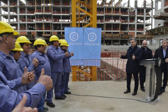 Profesionales objetan el nuevo plan Procrear que lanzó Macri
