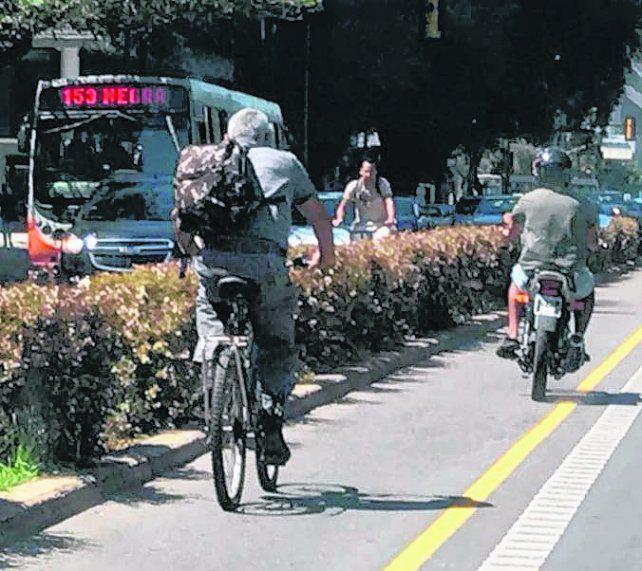 Quieren multar la invasión de ciclovías usando las videocámaras
