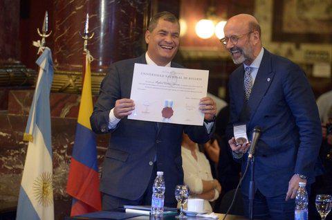 Rafael Correa recibió el Doctorado Honoris Causa de la UNR