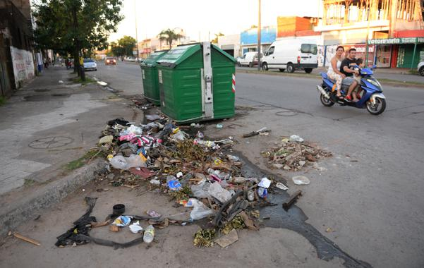 Recolectores de residuos amenazan con recortar más el servicio por la falta de inversiones