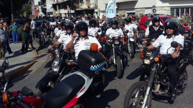 Sancionarán a los municipales que usaron vehículos oficiales en la marcha de ayer
