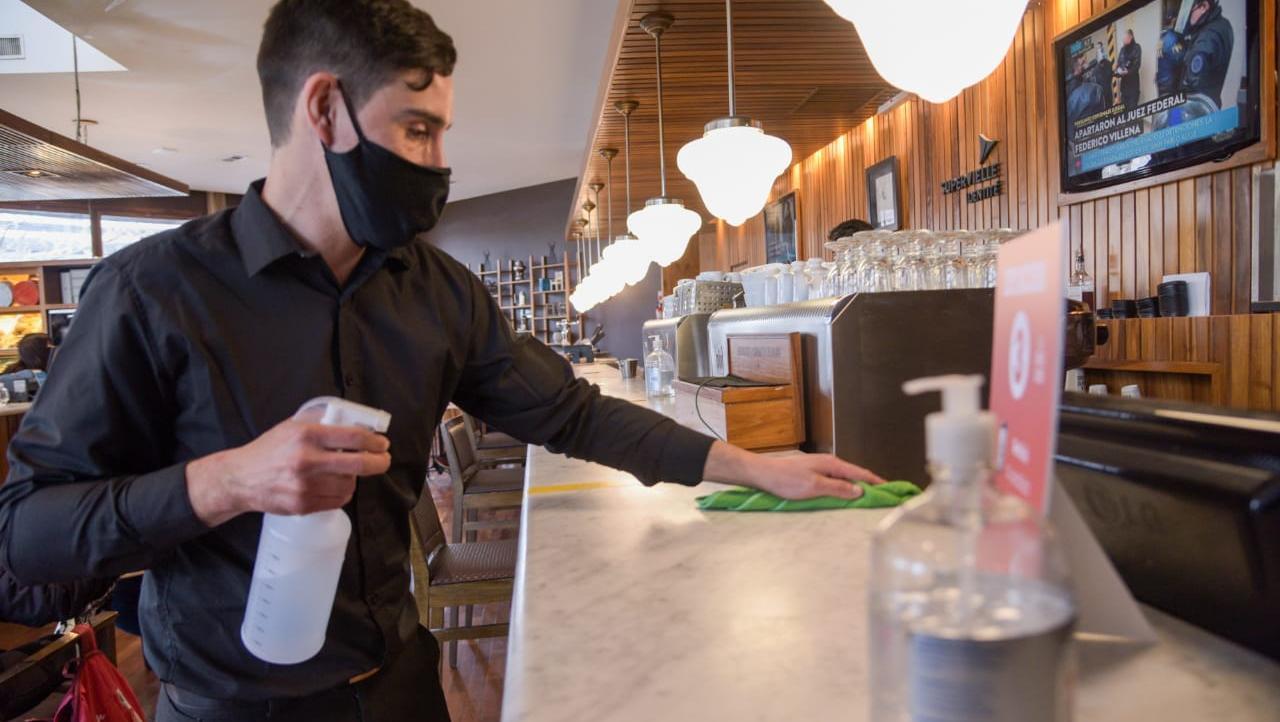 Santa Fe confirmó asistencia y exenciones para bares, restaurantes, hoteles y gimnasios