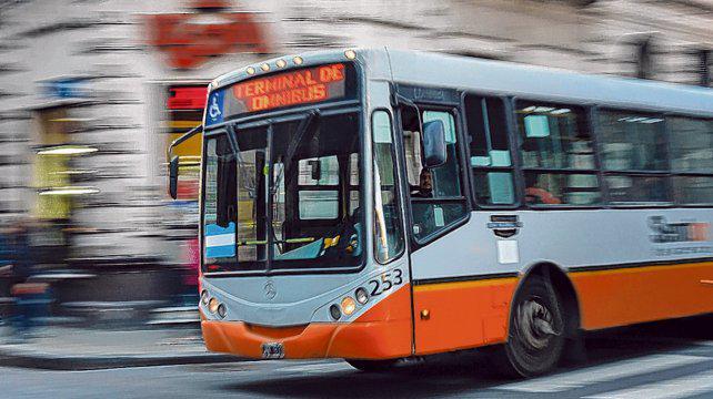 Santa Fe cubrirá la mitad del recorte de subsidios nacionales al transporte