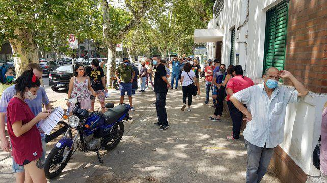 Se duplicó el pedido de hisopados gratuitos en la salud pública rosarina
