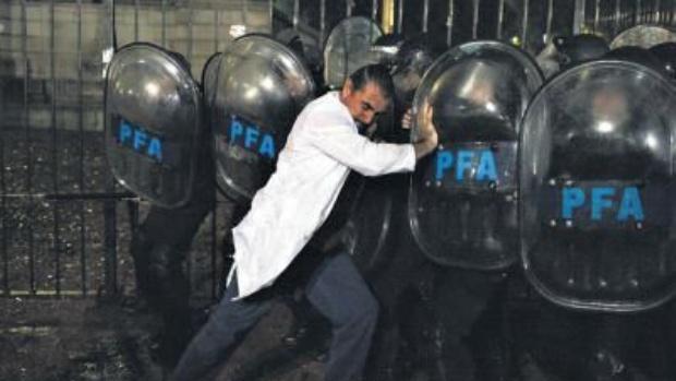 """Según el PRO, no hubo represión a los docentes que """"sólo buscan victimizarse"""""""