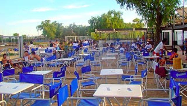 Sospechan que un bar concesionado de la costanera está enganchado a la EPE