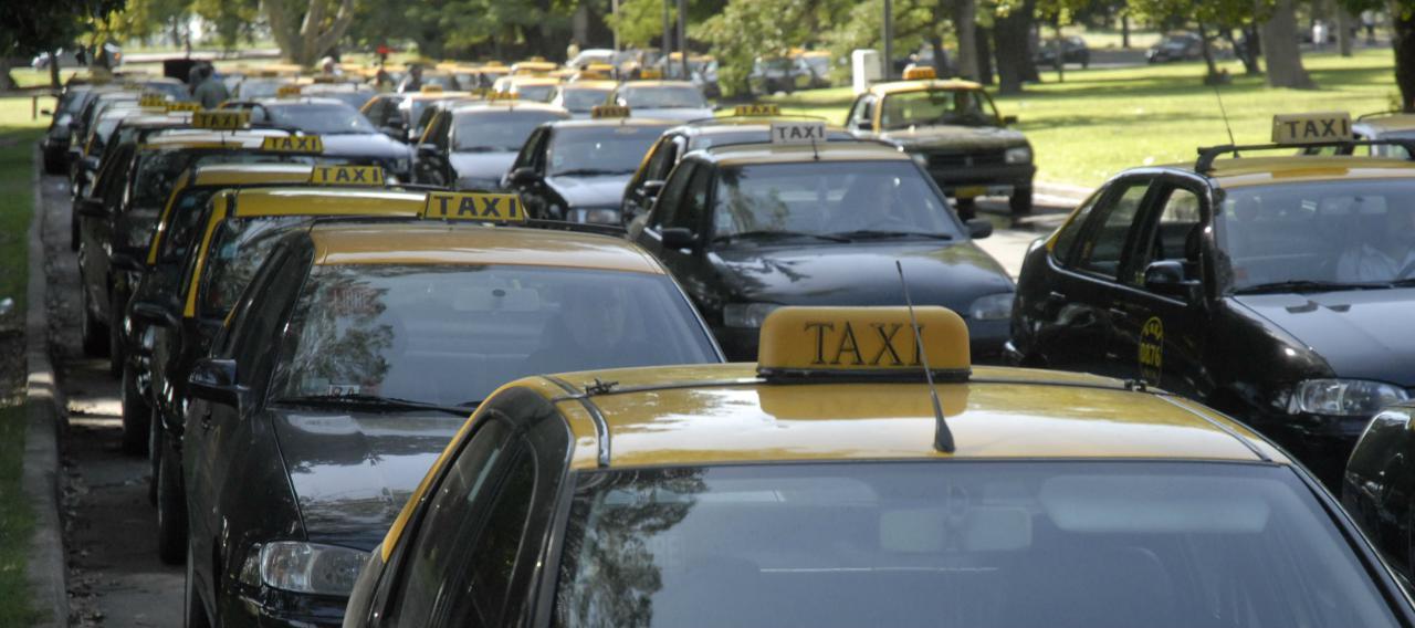 Taxistas en pie de guerra contra las multas de tránsito captadas con videocámaras