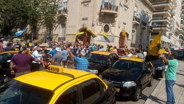Taxistas pedirán al Concejo un 30% de aumento tarifario