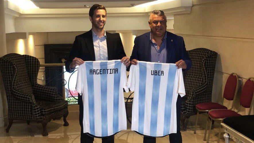 Tacheros rosarinos contra el sponsoreo de Uber en la selección Argentina
