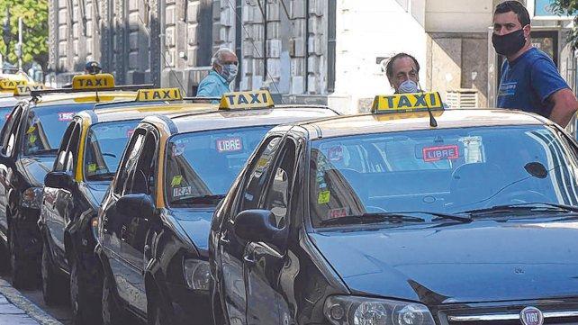 Taxistas rosarinos van por un aumento del 30 por ciento en la tarifa