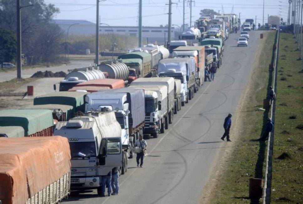 Transportistas de cereales ratificaron el paro por tiempo indeterminado