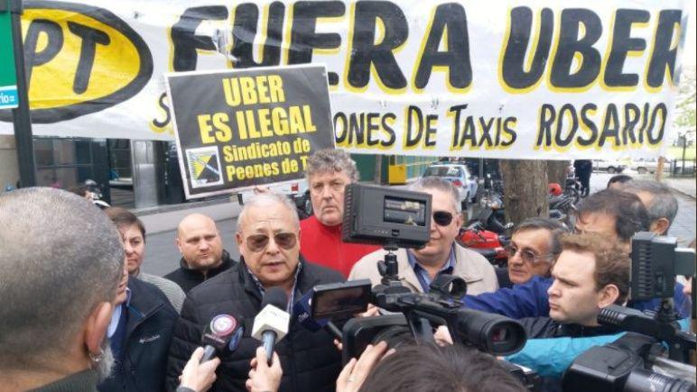 Uber pide que se discuta una nueva regulación para desembarcar en Rosario