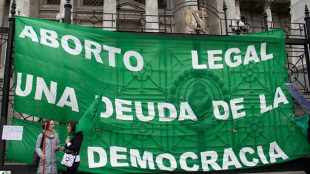 Un diputado de Cambiemos se distancia de Macri y apoya el aborto