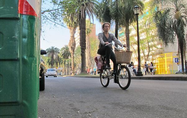 Una ONG apoya la ciclovia sobre Oroño y pide más bicisendas