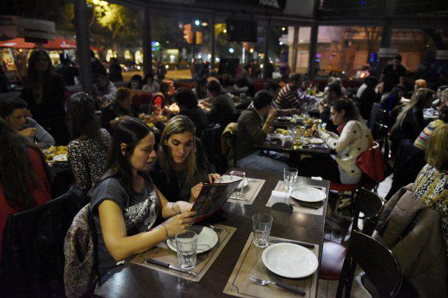 Ya hay un 70 por ciento de reservas en bares y restaurantes por el Día del Amigo